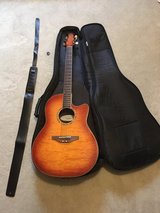 Guitar Ovaition Celebrity GC28 Acoustic/Electric in Camp Lejeune, North Carolina