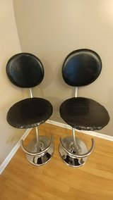 2 metal bar stools in Glendale Heights, Illinois