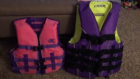 youth X-small life vests in Fort Leonard Wood, Missouri
