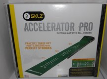 SKLZ  Accelerator Pro Putting Golf Mat with Ball Return ~ NEW in Conroe, Texas