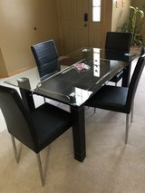 dinning table in Lockport, Illinois