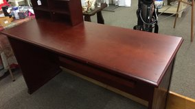 Desk (New) in Fort Leonard Wood, Missouri