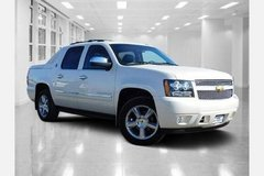 **Chevrolet Black Diamond Avalanche** LTZ 2x4 4dr Crew Cab Pickup in Ramstein, Germany
