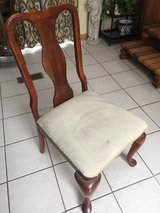 Dining chairs in Bolingbrook, Illinois