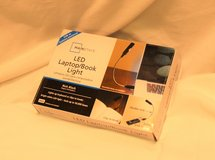 NEW IOB LED Laptop Book Light Clip Mainstays Black USD Batteries Read Relax Illuminate in Houston, Texas