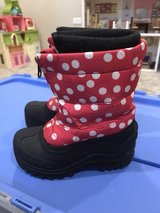 Girls size 10 snow boots in Plainfield, Illinois
