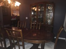 Dining Room Set in Bolingbrook, Illinois