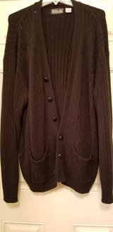 Warm Men's Button Up Sweater Size XXL in Plainfield, Illinois