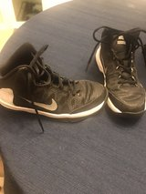 Nike basketball shoes-youth in Lockport, Illinois