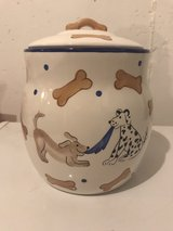 Dog treat jar in Glendale Heights, Illinois