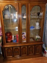 Broyhill China cabinet in very good condition in Fort Knox, Kentucky