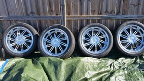 22 inch  rims Reduced in Columbia, South Carolina