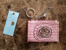 BNWT: Kathy Van Zeeland Coin/ID Wallet Keychain in Fort Campbell, Kentucky
