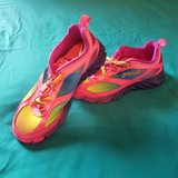 Girls Athletic Shoes (Worn Once) Size 2 1/2 in Camp Lejeune, North Carolina