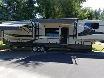 2014 Crossroads Rushmore Lincoln Fifth Wheel in Fort Lewis, Washington