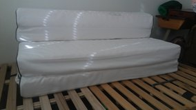 Guest bed futon sofa in Vacaville, California