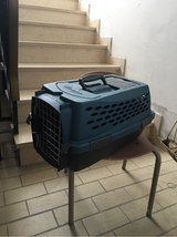 Hard shell pet carrier in Baumholder, GE