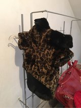 Stylish and warm leopard print dog jacket in Baumholder, GE