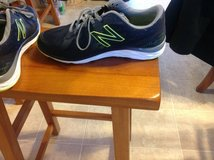 Men's New Balance 8.5 running shoe Great like new in Manhattan, Kansas
