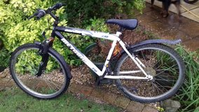 cheap runaround Bike to clear in Lakenheath, UK