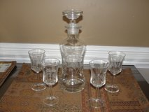 BEAUTIFUL ETCHED WINE BRANDY DECANTER & MATCHING GLASSES in Camp Lejeune, North Carolina