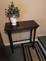 Accent Table in Warner Robins, Georgia