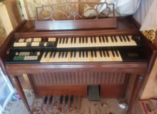 Wurlitzer electric organ in Leesville, Louisiana