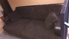 nice big piece couch in Fort Bliss, Texas