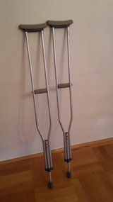 CRUTCHES ADULT ALUMINUM in Ramstein, Germany