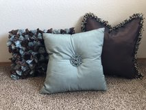 3 Throw pillows in Camp Pendleton, California