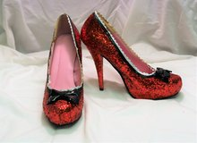 Dorothy Ruby Slippers Wizard of Oz Heels Pumps Stilettos Glitter sz 8 Red Sequin in Kingwood, Texas