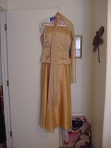 Dark Gold Dress in Alamogordo, New Mexico