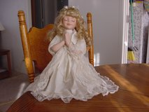 Praying Porcelain Doll in Alamogordo, New Mexico