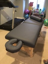 MASSAGE TABLE LIKE BRAND NEW in Orland Park, Illinois