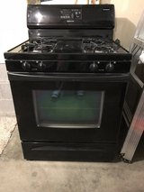 Whirlpool gas range in Pleasant View, Tennessee
