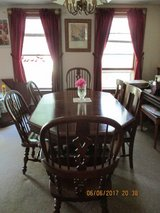 Dining Room Table & 6 chairs (non-matching) in DeKalb, Illinois