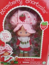 STRAWBERRY SHORTCAKE CLASSIC DOLL in Yorkville, Illinois