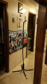 Bird cage stand $20 in Tinley Park, Illinois