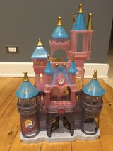 Disney Store Parks Princess Play Castle Excellent condition in Palatine, Illinois