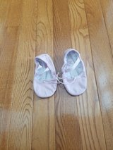 Toddler Size 6C Ballet Slippers in Naperville, Illinois