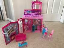 Barbie vacation house in Naperville, Illinois