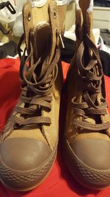 Womens converse leather boots in Leesville, Louisiana
