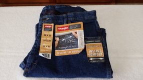 38x30 Wrangler Jeans in Glendale Heights, Illinois