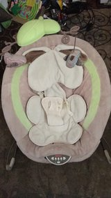 Snuggle bunny bouncy chair in Vacaville, California