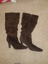 Brown Suede Boots size 9M in Fort Leonard Wood, Missouri