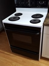 Kenmore electric oven in Fort Leonard Wood, Missouri