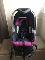 Infant girls car seat with base in Beaufort, South Carolina