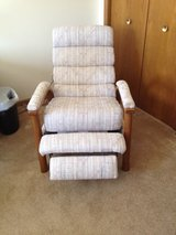 manual recliner in Palatine, Illinois