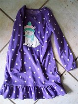 purple night gown with polar bear size 6/7 in Stuttgart, GE