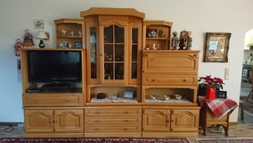 Moving SALE!!! We deliver! Oak German Schrank Wall Entertainment Center in Baumholder, GE